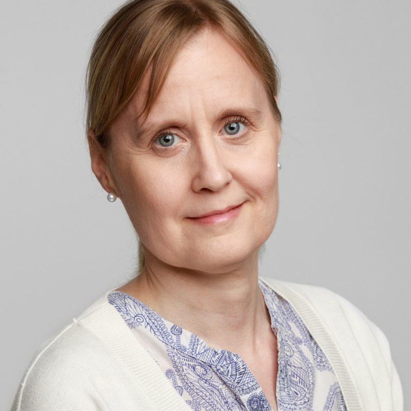 https://terapiatalonoste.fi/wp-content/uploads/2019/05/Elina-Hyvärinen_web-e1560861625614.jpg