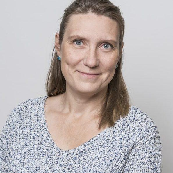 https://terapiatalonoste.fi/wp-content/uploads/2019/05/Tiina-Arpiainen-2-e1562660660228.jpg
