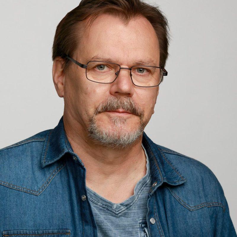 https://terapiatalonoste.fi/wp-content/uploads/2019/05/Timo-Jarvinen_web-e1582788559743.jpg