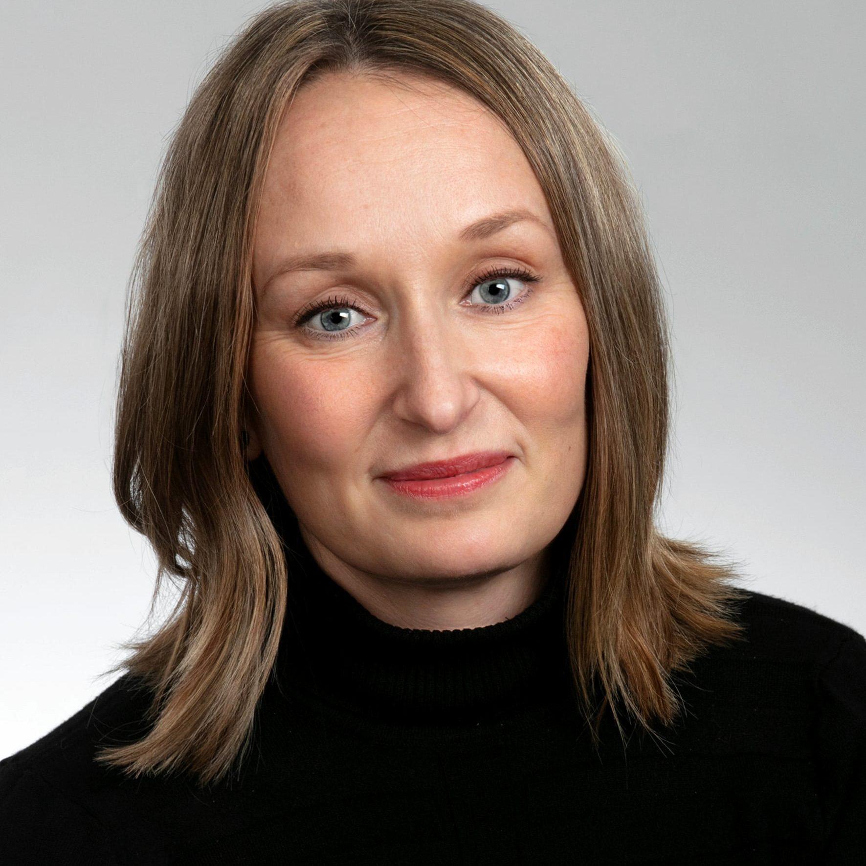 https://terapiatalonoste.fi/wp-content/uploads/2019/09/Minna-Hänninen-e1574330275688.jpg