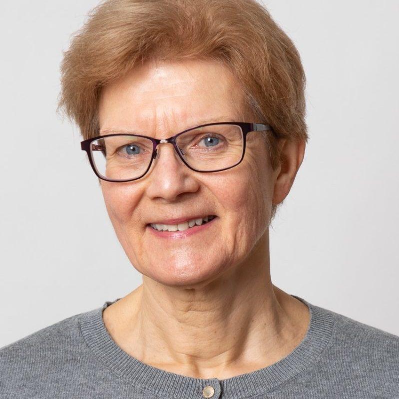 https://terapiatalonoste.fi/wp-content/uploads/2019/11/Kirsti-Mylläri-e1575379082293.jpg