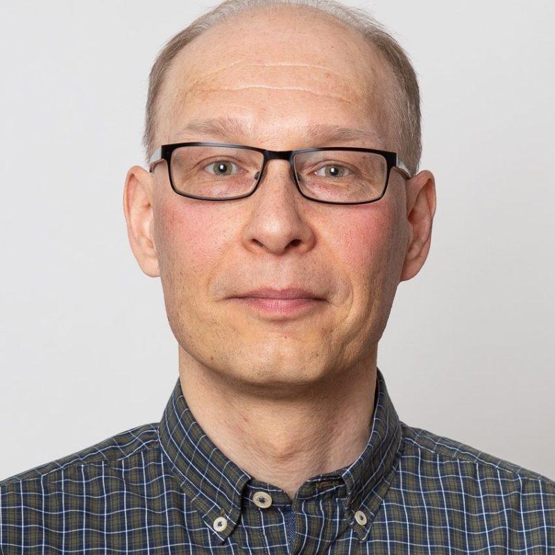 https://terapiatalonoste.fi/wp-content/uploads/2020/06/Niko-Lahnuskari--e1593516544420.jpg