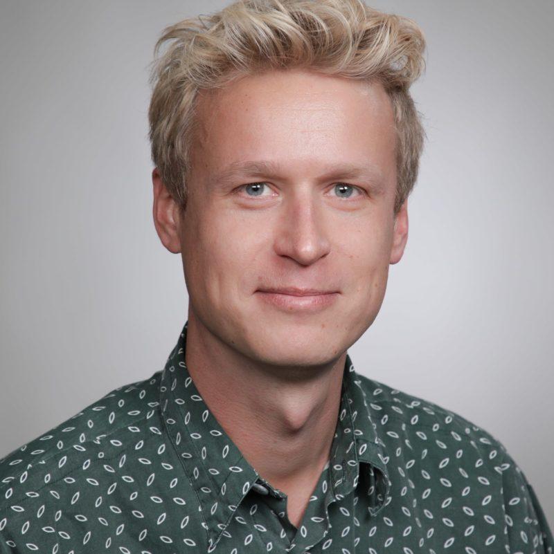 https://terapiatalonoste.fi/wp-content/uploads/2020/08/Antti-Asunmaa-1-e1599741553936.jpg