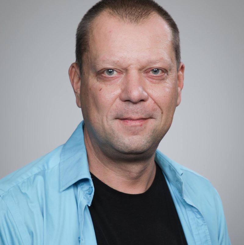 https://terapiatalonoste.fi/wp-content/uploads/2020/10/Jaakko-Helander-e1604386357856.jpg