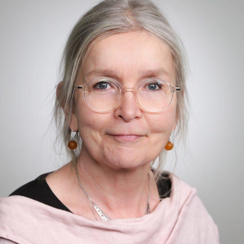 https://terapiatalonoste.fi/wp-content/uploads/2020/12/Eliisa-Koivula-e1609761534628.jpg